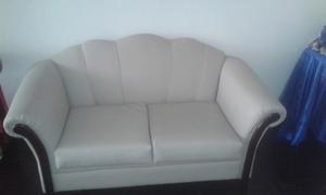 Vendo Sofa De 2 Puestos Recien Tapizado!