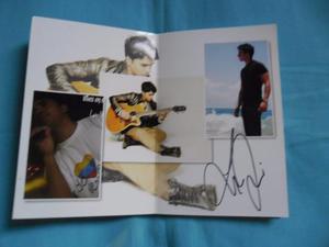Álbum De Fotografías Autografiado Por Luis Fonsi