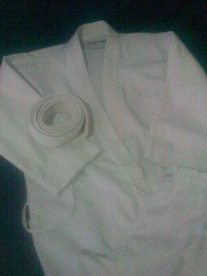 Kimono Casi Nuevo Talla 10 Con Cinta Blanca