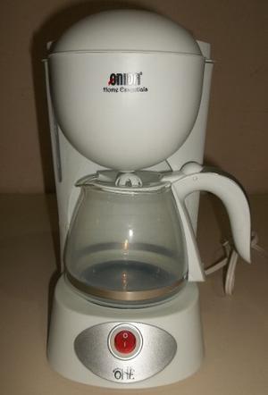 Cafetera Electrica Royal 6 Tazas Nueva