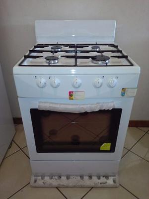 Cocina A Gas 4 Hornillas Nueva.