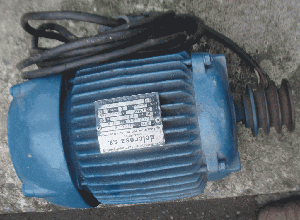 Motor eléctrico, Trifásico, v