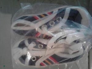 Zapatos Deportivos Para Niños Tallas  Y 22