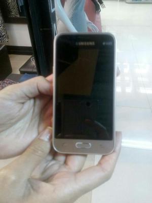 Samsung Galaxy J1 Dúos