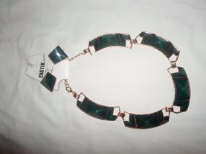 Set Collar Y Zarcillos Verde Original Exotik Cod Esusgre