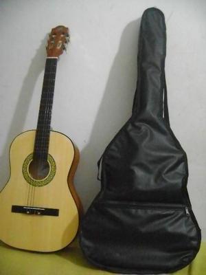 Guitarra Acustica con forro Casi nueva
