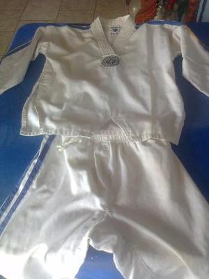 Uniforme De Taekwondo Pequeño Con Cinturon