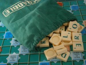 Juego scrabble viajero idioma ingles nuevo posot class for Precio juego scrabble mesa