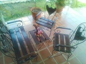 Juego de sillas en hierro forjado