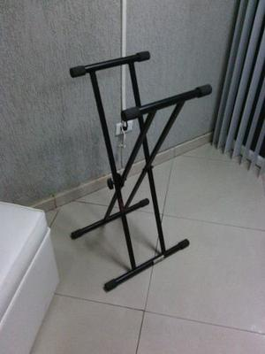 Paral O Pedestal De Teclado Usado En Excelentes Condiciones.