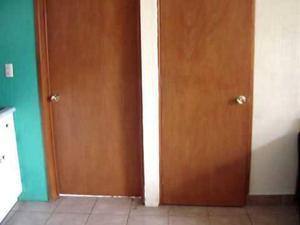Cerradura pomos puertas posot class for Puerta plegable con cerradura