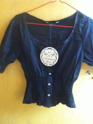 Camisa negra corta para niña adolescente