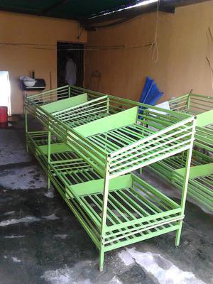 Cesta, parrilla de hierro para venta de frutas y verduras de