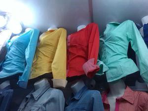 Se Cambian Docenas de Blusas Jean Y Vest
