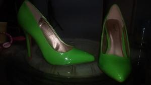 Zapatos de tacon Qupid y Anne Michelle, botas y zapatillas.