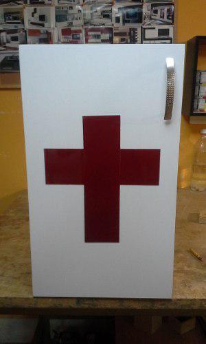 Caja De Cruz Rojas Elaborado En Mdf Y Laminada En Formica