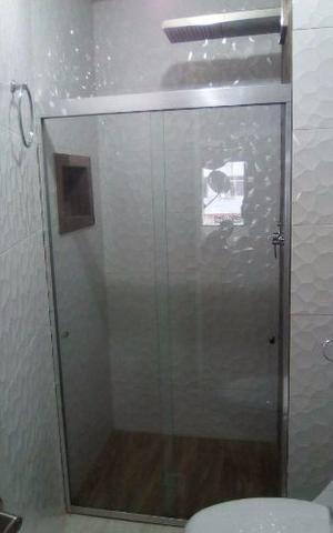 Puertas de ba o aluminio blanco laminas acrilico posot class for Puertas balcon usadas