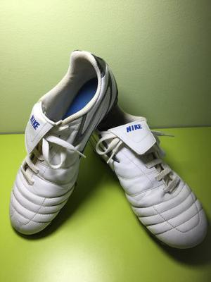 Tacos De Fútbol Marca Nike Para Caballero Talla 42
