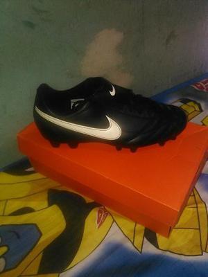 Tacos Para Fútbol Nike