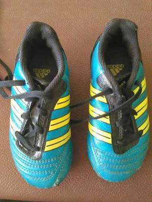 Zapato Tipo Tacos Para Fútbol Marca adidas