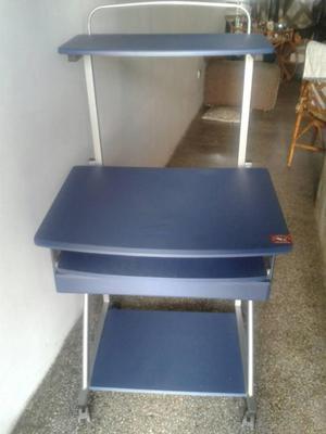 Computadora de mesa vendo a cambio por tlf posot class for Mesa para computadora