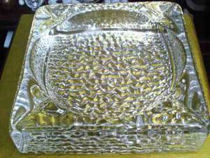 Cenicero De Cristal Cuadrado De Gran Diseño Y Peso En