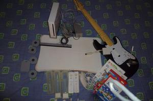 Consola Wii Con Controles, Wii Fit Plus Y Guitarra