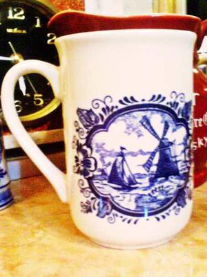 Jarra Porcelana De Coleccion Made In England Dibujos Tipicos