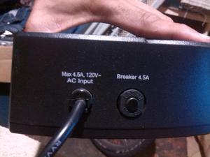 Regulador de Voltaje Marca Kode