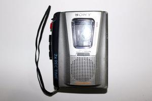 Grabador Portatil De Casette Periodista Sony Usada