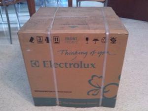 Nevera Ejecutiva Electrolux Nueva Remato Por Viaje