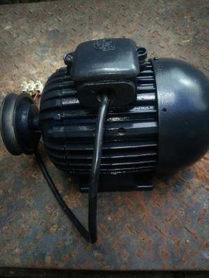 Motor Eléctrico De Un Caballo Y Medio (1 1/2 Hp). Multiuso