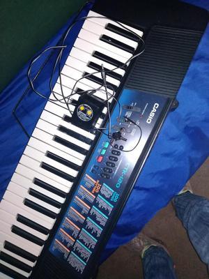 VENDO PIANO, UBICADO EN CIUDAD GUAYANA!