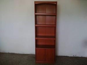 Biblioteca en Fórmica Usada.