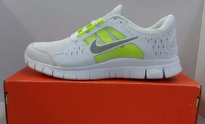 Zapatos Deportivos Nike Free Run 3, Talla 42, Blancos.