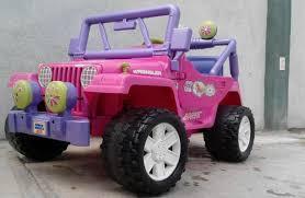 carro de juguete jeed en mene grande