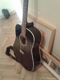 guitarra acustica casi nueva