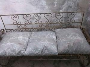 Muebles hierro con sus cojines