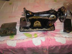Maquina de Coser Meyer