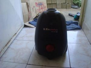 Aspiradora Electrolux One  Negra