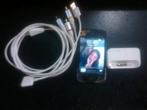 Ipod Touch 4ta Generacion 8gb (mica Rota) Incluye Mica Nueva