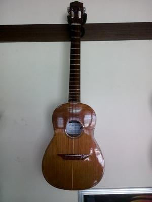 Cuatro Nacional (larense) De 17 Trastes Del Luthier Timaure,
