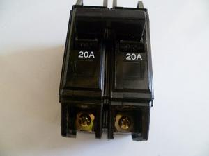Breakers Superficial 2x20amp Koby