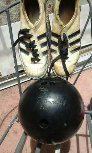 Bola De Boliche Con Su Estuche Y Zapatos