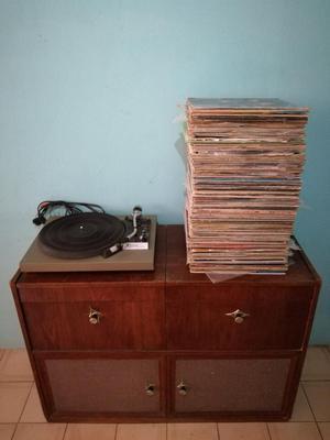 Mueble Toca Disco Antiguo con 130 Discos