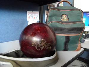 Pelota De Bowling Magnun 15 Libras Con Bolso Y Funda