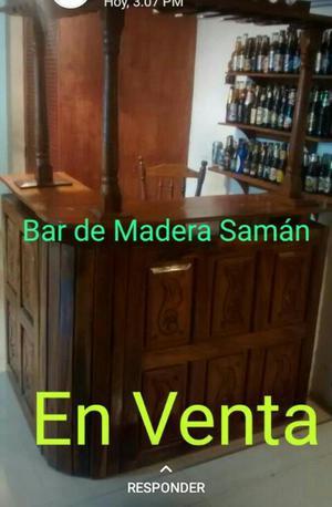 Bar de Madera Saman