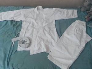 Kimono Karate Solo Se Usó 2 Veces Ver Es Comprar Talla 4/5