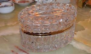 Joyero De Cristal Checo Mide 17 Cm De Alto Por 10 Ancho Cm