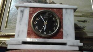 Extraordinario Reloj De Mesa Marca Meiher En Marmol Blanco